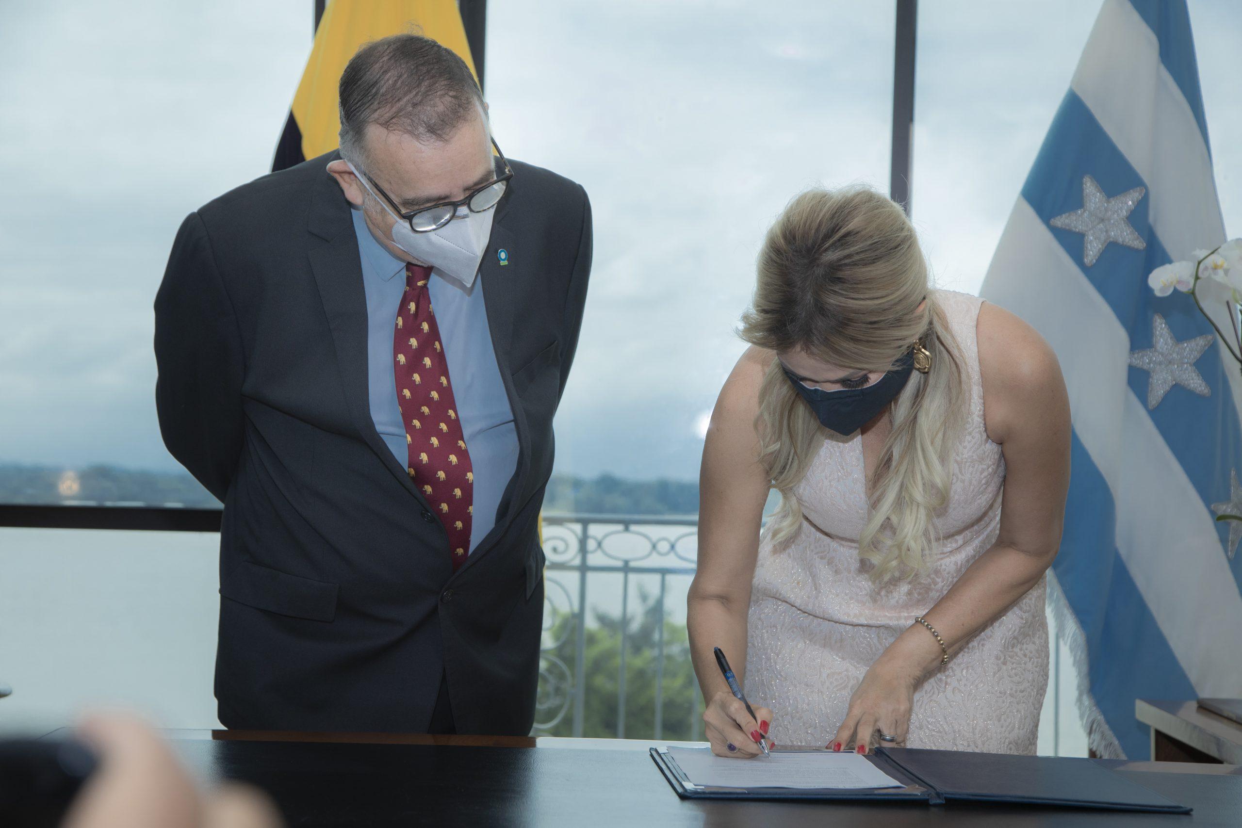 Firma de convenio impulsa la conservación del medio ambiente en Guayas