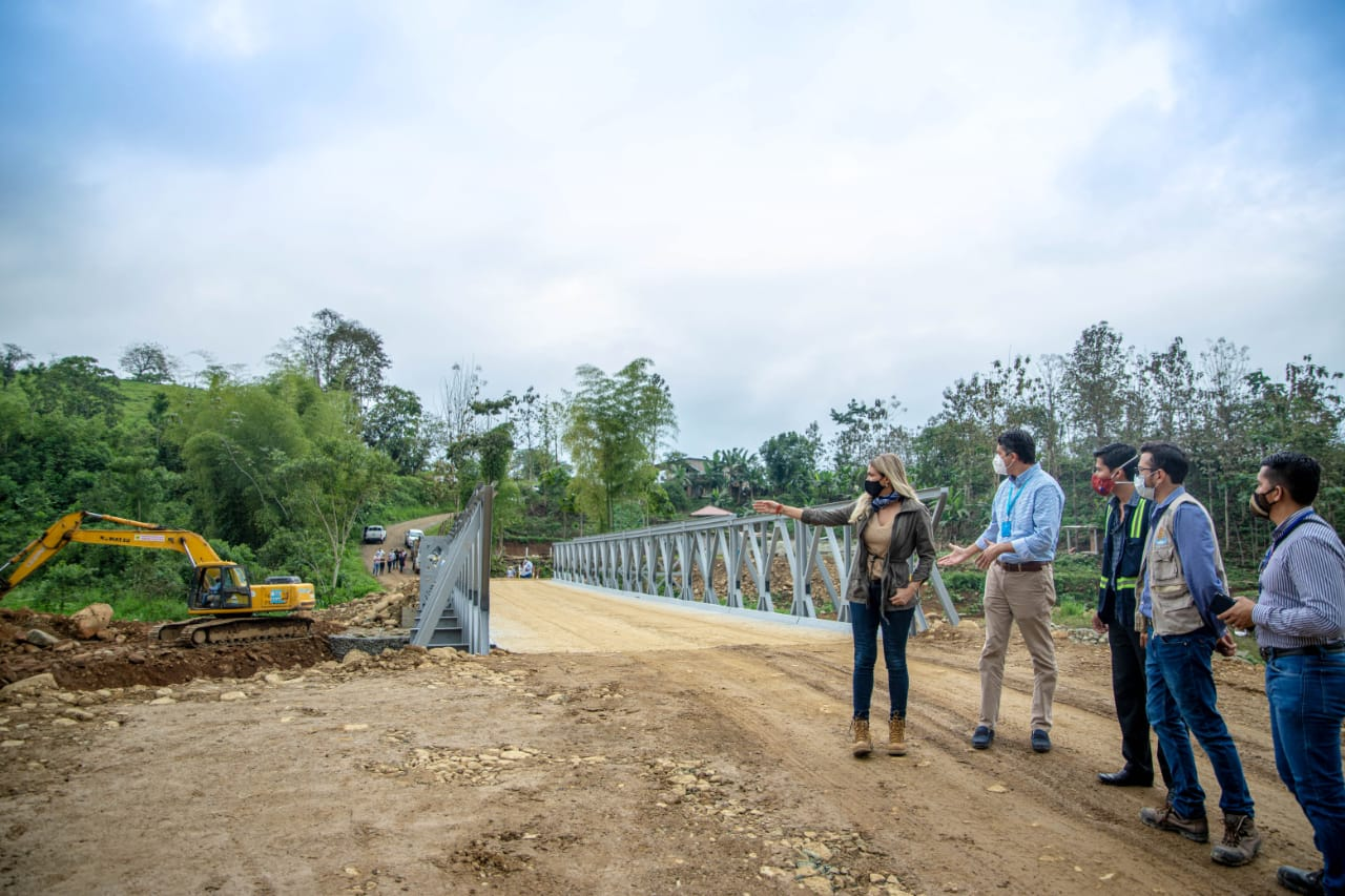Sectores rurales se benefician con instalación de puente en Bucay