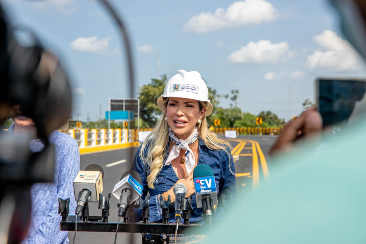 Prefectura del Guayas habilitó al tránsito el nuevo paso lateral de El Triunfo